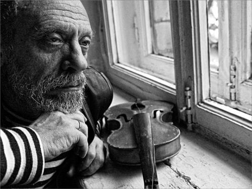 old-man-with-violin